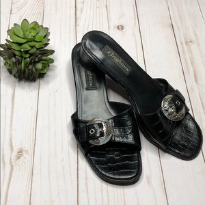 Brighton Lyric Black Slides - Size 7 1/2M